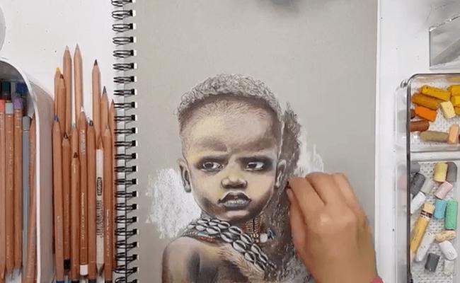 رسم الوجه باستخدام ألوان الباستيل