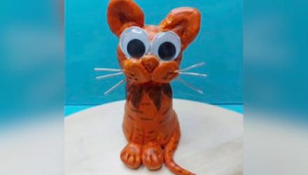 مجسم قطة من المعجون